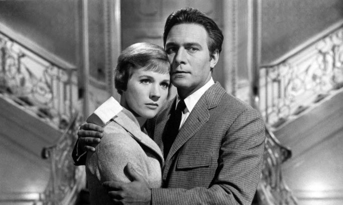 Christopher Plummer ma' Julie Andrews f'The Sound of Music